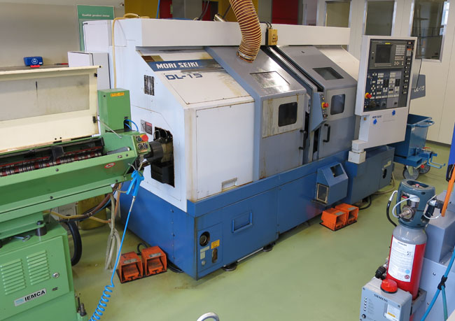 Centros mecanizado para tornear y fresar MORI SEIKI DL15