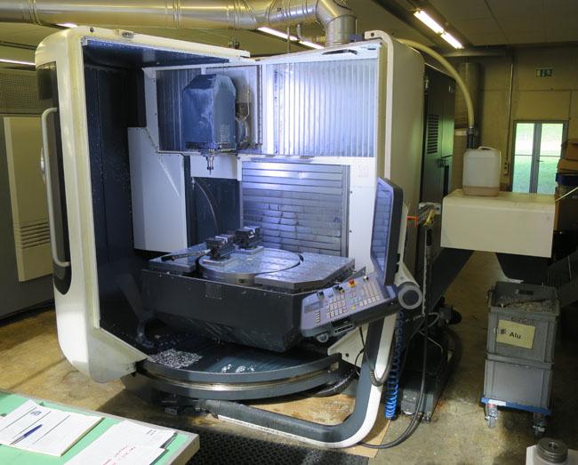 CNC universal machining centers DMG DMU 80 Monoblock